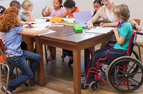Scolarité des jeunes handicapés : le gouvernement toujours à la traine !